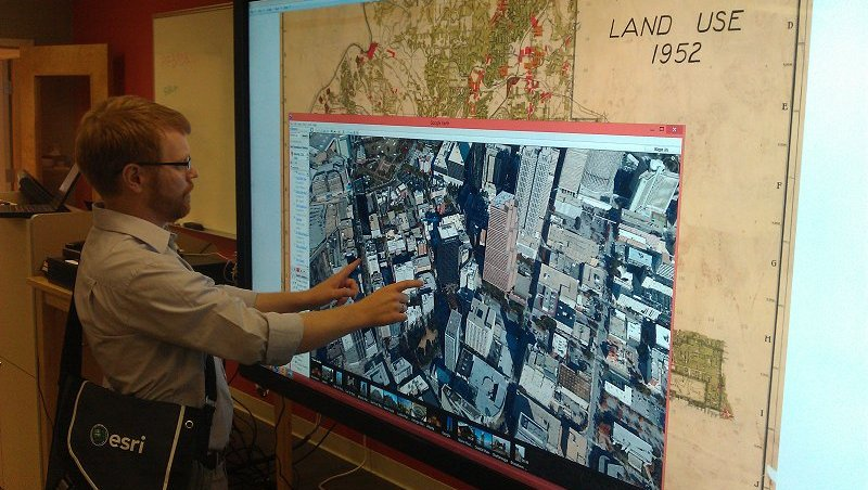 Spatial Data on large 4K display